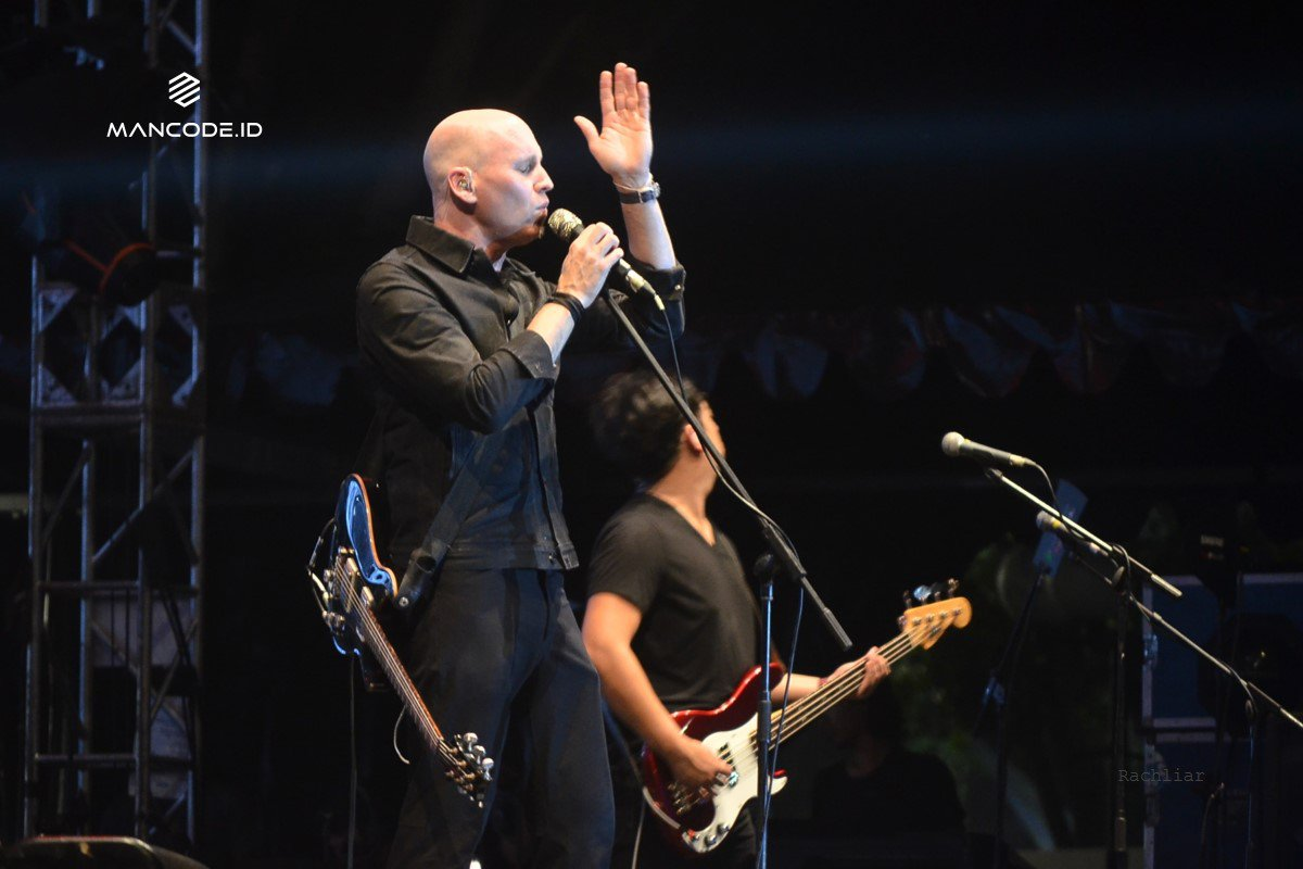 Vertical Horizon-tampil-di-The 90's Festival.jpg